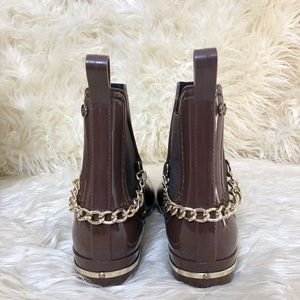 Forever Shoes - Forever Back Chain Shiny Booties | Size: 7.5